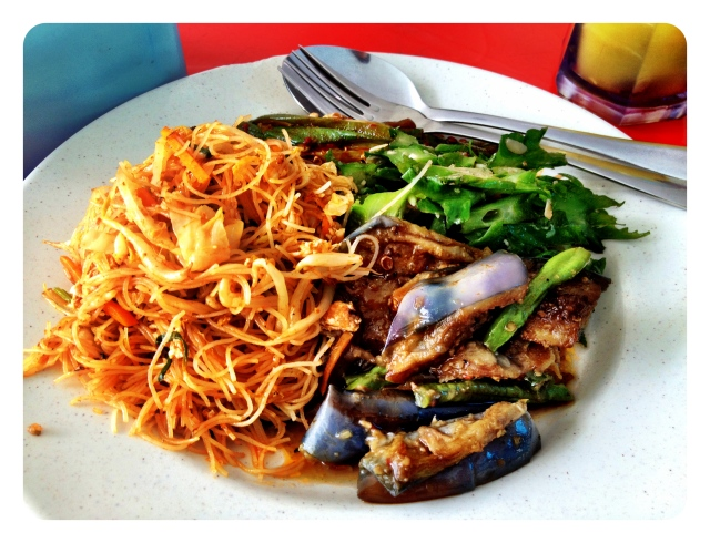 Love the varieties of local vegies with fried Beehoon. Only RM7! (Aprox. Ausd 2.30)